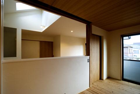 寝室から2階ホールトップライト