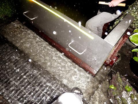 側溝氾濫2