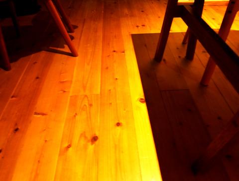 床暖房の床1