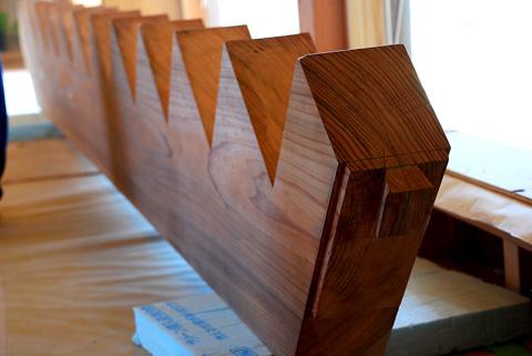 アオハダの家階段力桁2
