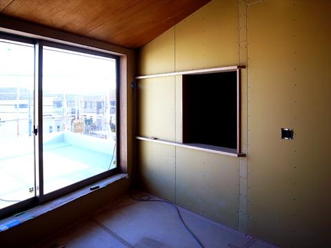 寝室小窓枠