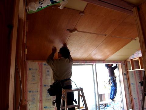 2階天井仕上ラワンベニア張り