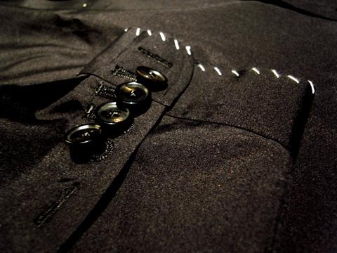 シャツでつくられたジャケット 袖部分のディティール