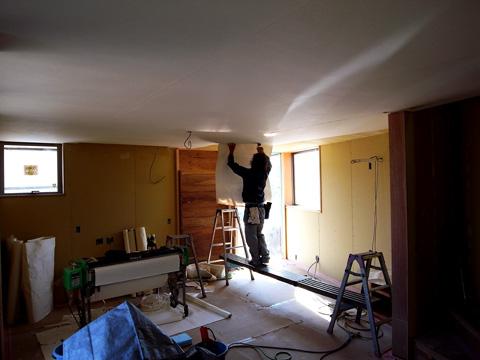 四街道の家 天井和紙貼り