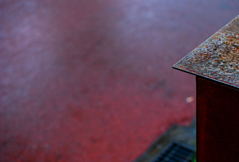 雨と錆びたポスト