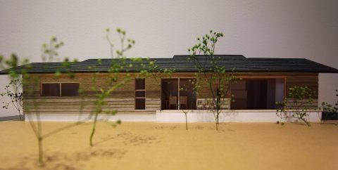 白子の家2回目模型南側外観