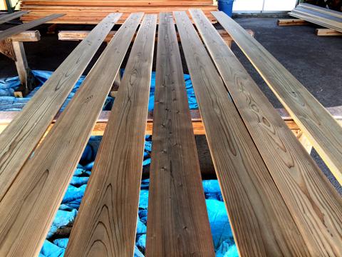 ウッドロングエコを塗った外壁杉板