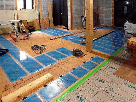 ちはら台の家の床暖房
