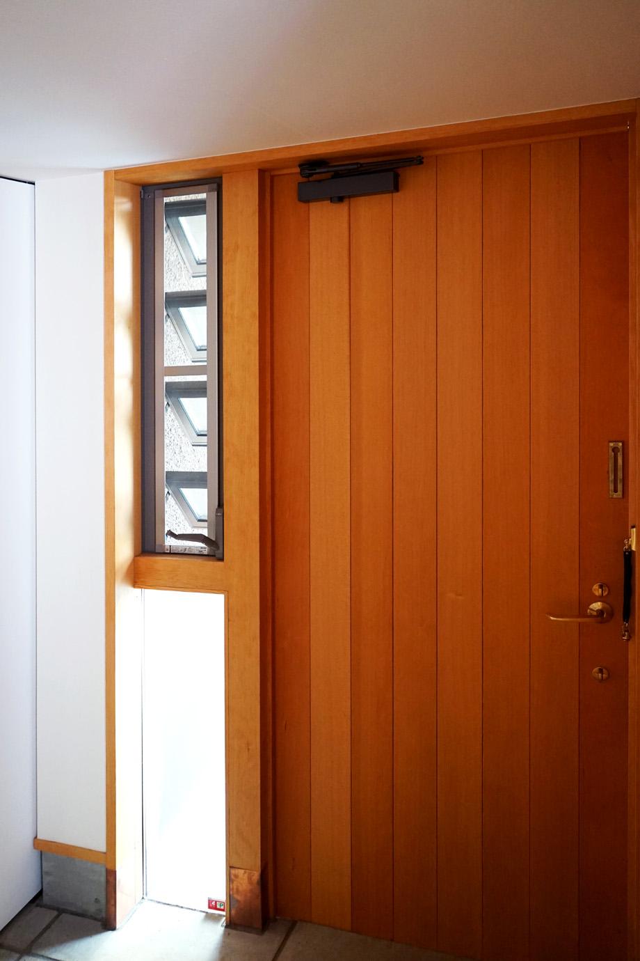 玄関の換気窓(内部)